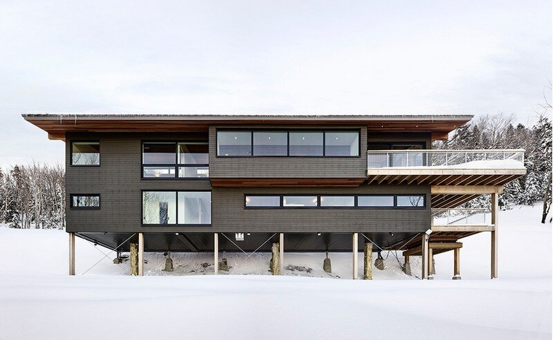 Laurentian Ski Chalet - Weekend Retreat Located on the Steep Slope of a Former Ski Hill (6)