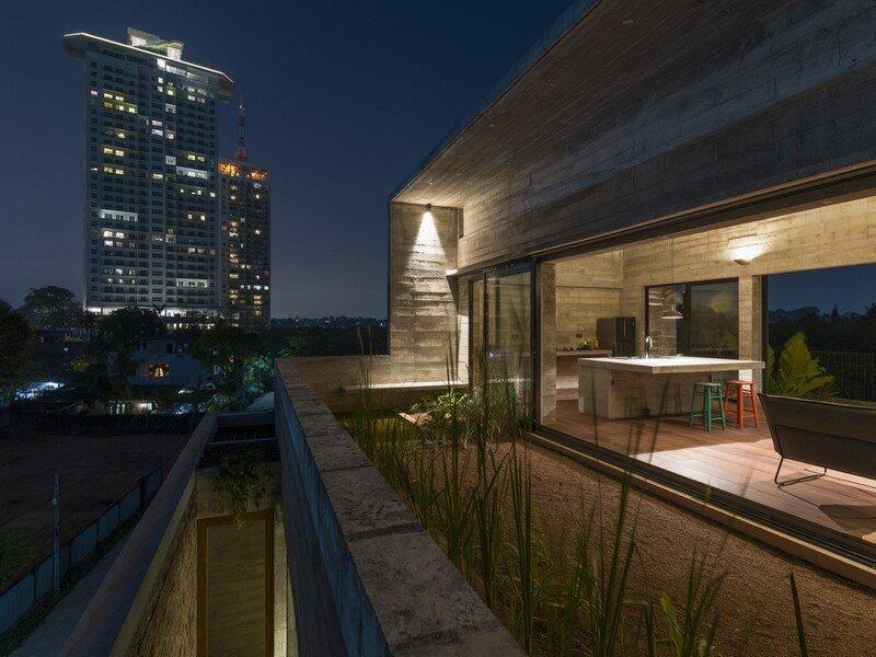 Rajagiriya Green Project – Office and Dwelling / Palinda Kannangara Architects
