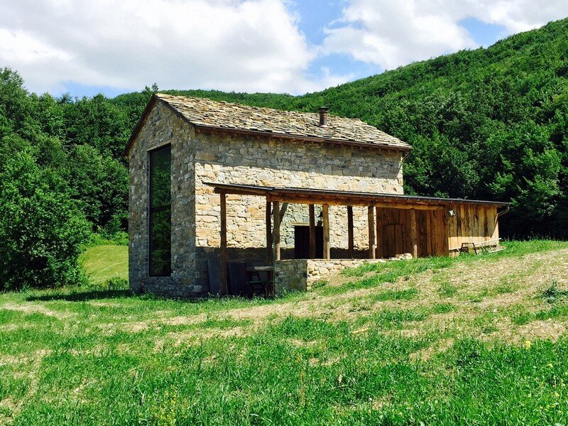 Restored farm building studio contini for Farm house construction