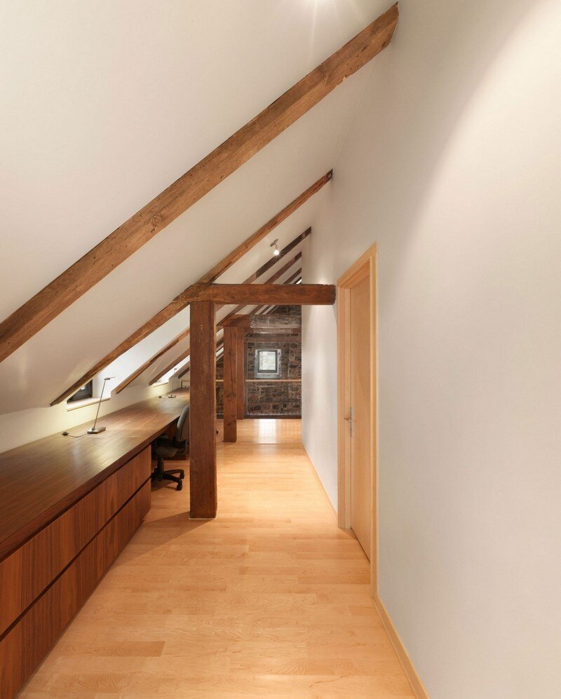 200 Year Old Stone House With Renovated Contemporary Interior 9