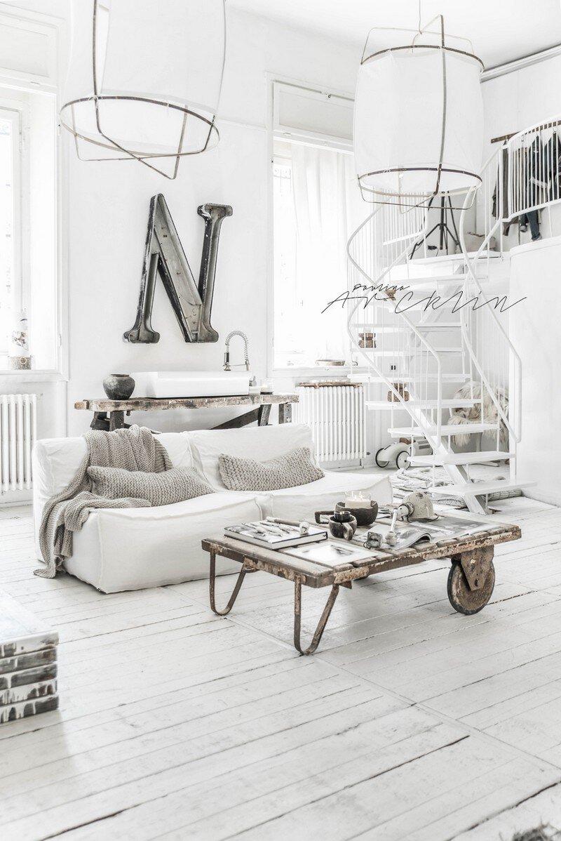Bright Loft and Creative Office in Milan Paulina Arcklin