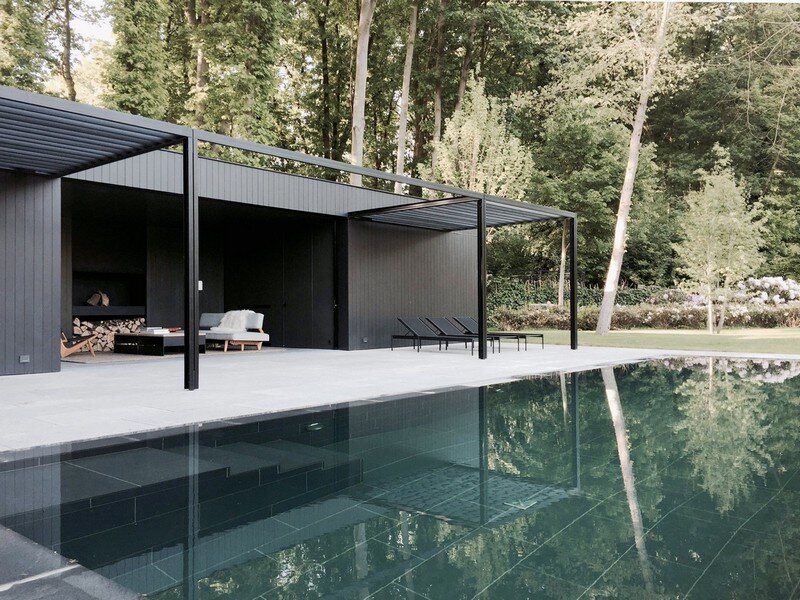 cd pool house simple yet elegant space for relaxation. Black Bedroom Furniture Sets. Home Design Ideas