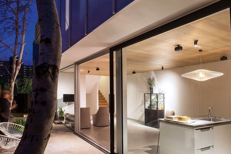 Skin Box House by Mcmahon and Nerlich Architects 1