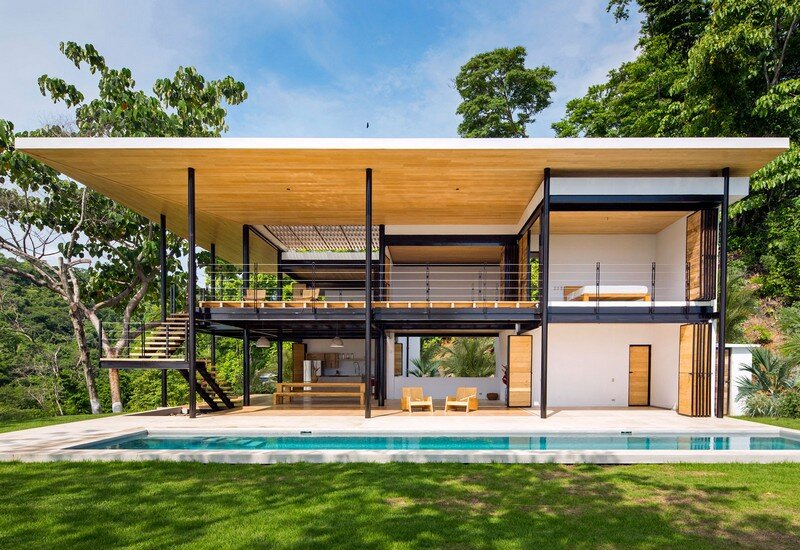 Sustainable Terrace House Almost Completely Open To The Outside (1)