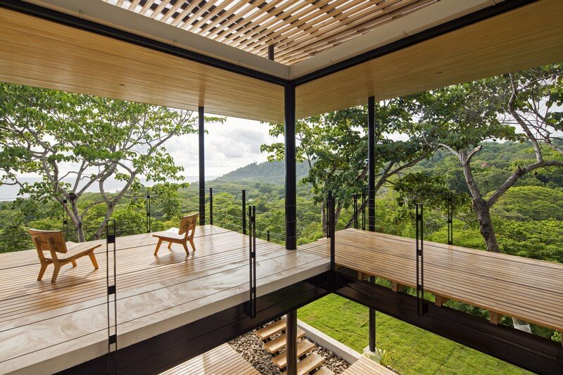 Sustainable Terrace House Almost Completely Open To The Outside (13)