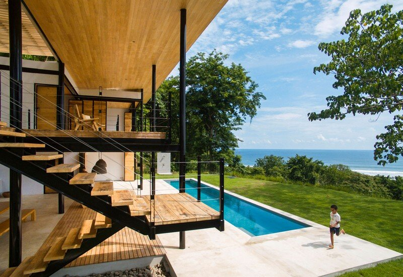 Sustainable Terrace House Almost Completely Open To The Outside (4)