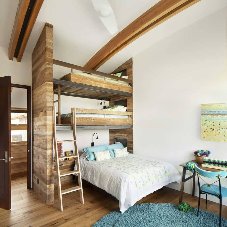 Tech House, A Wyoming Getaway Home for a Family of Five