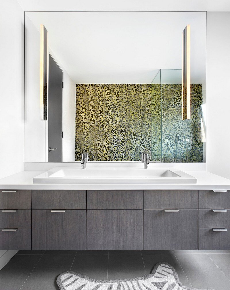 bathroom, +tongtong