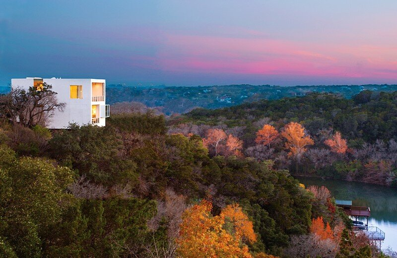 Cliff House: Contemporary Luxury Delivers Captivating Views
