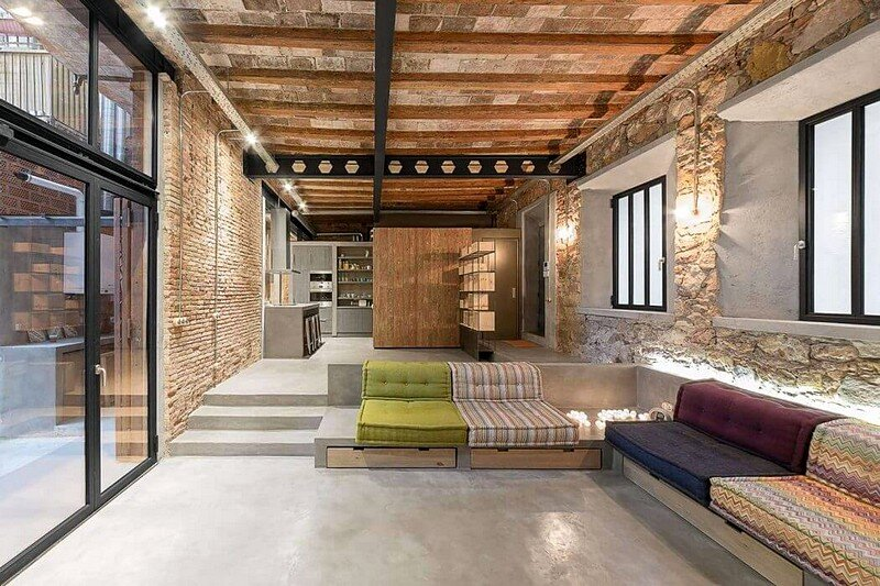 Old Carpentry Workshop / Industrial Loft 1