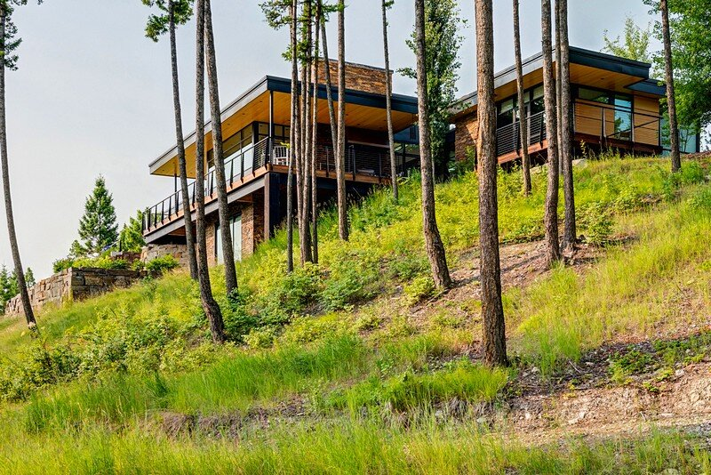 Skyhouse: Family Mountain Retreat Surrounded by Hills and Trees