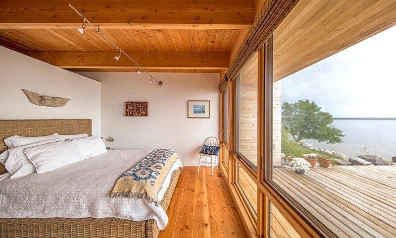 Wooden Beach Cottage 9