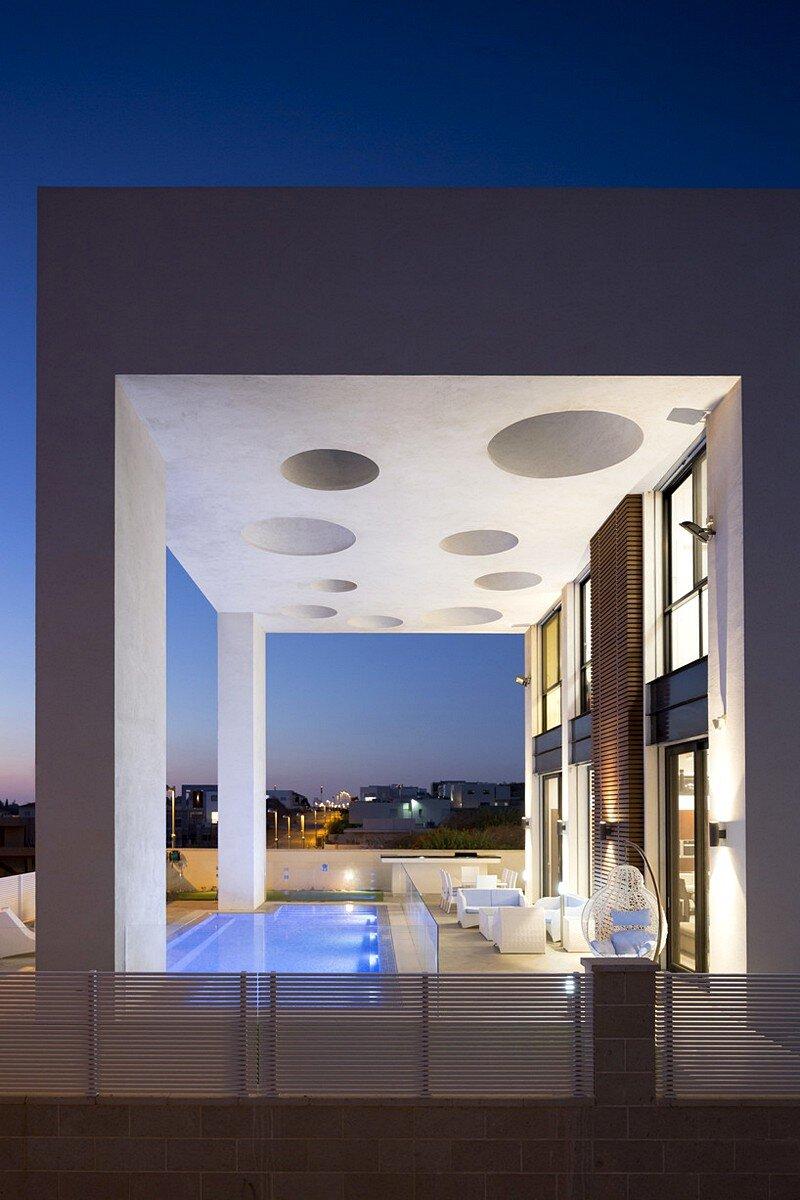 Eirus House 15