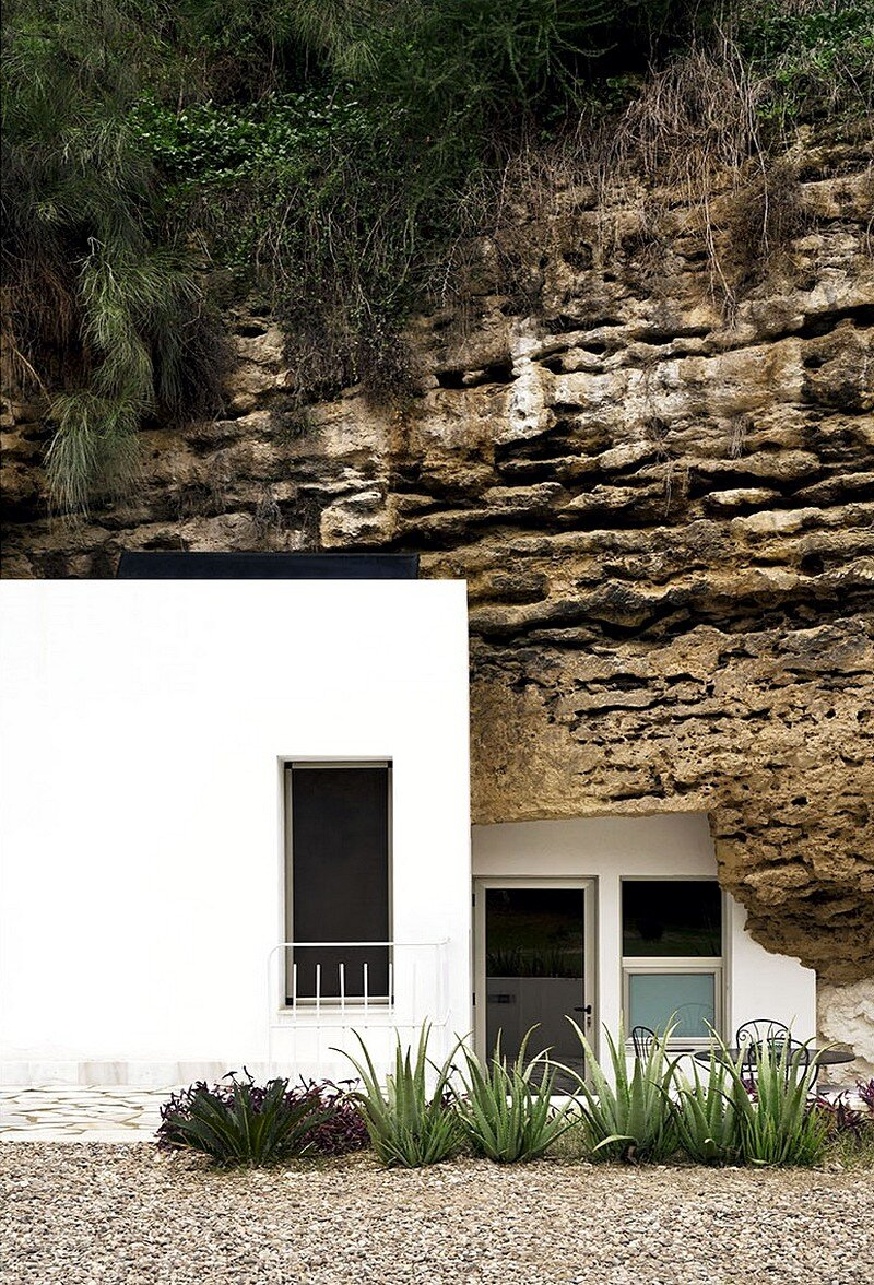 Cave House 16