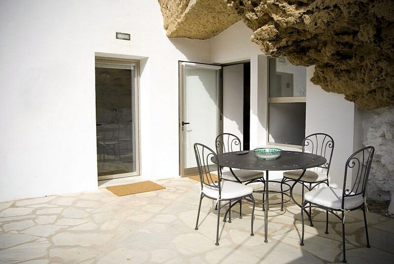 Cave house 20