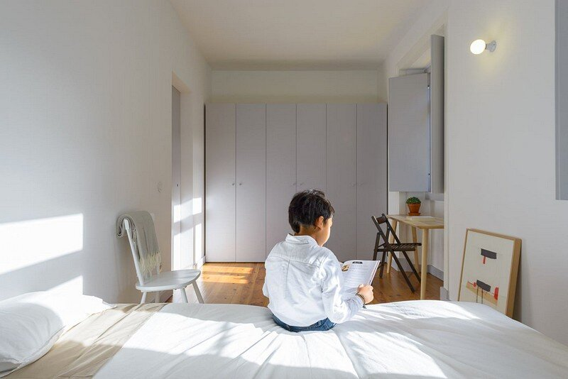 bedroom, Arriba