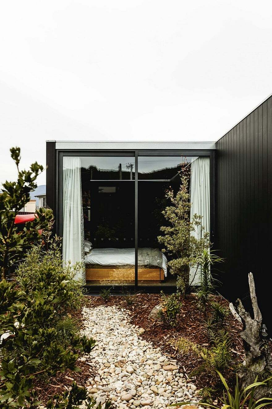 Five Yards House by Archier 16