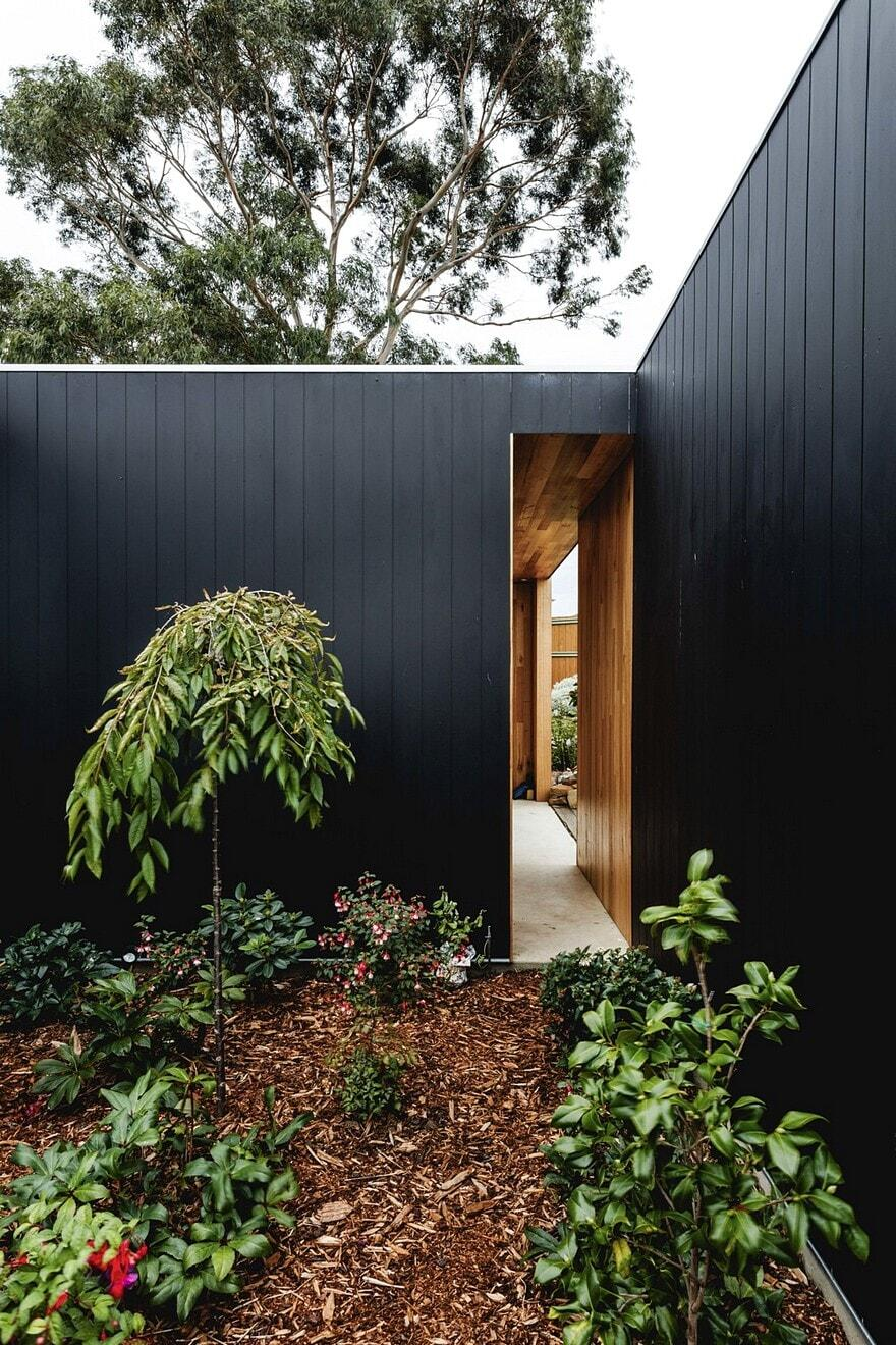 Five Yards House by Archier 17