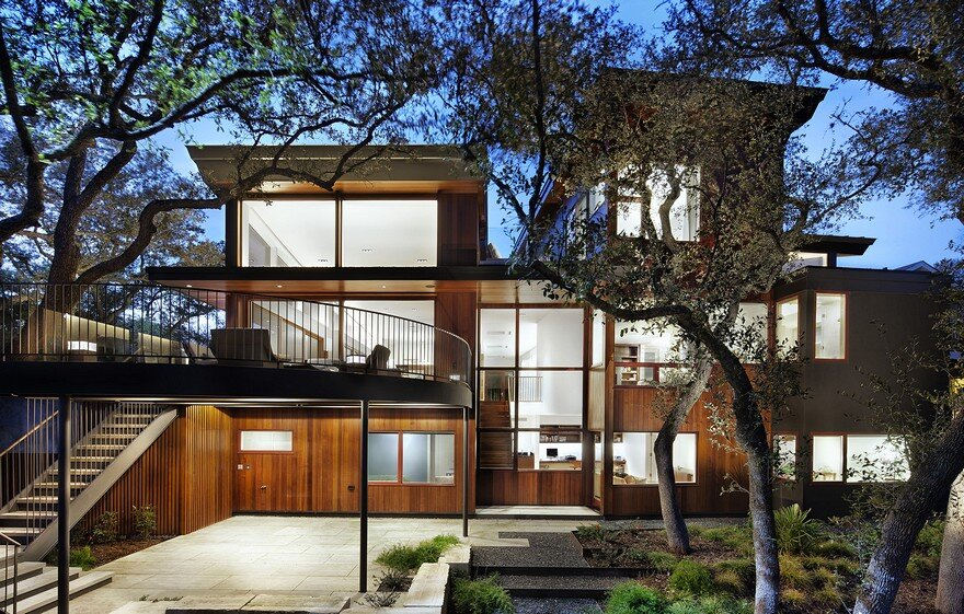Tree Residence / Miro Rivera Architects