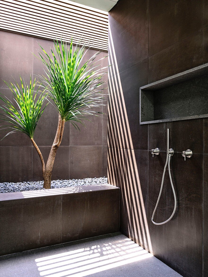 bathroom by ONG & ONG 10