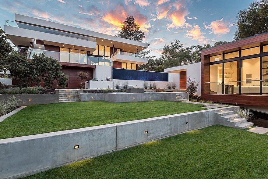 Mora Estates House in the Heart of Silicon Valley by Swatt Miers Architects
