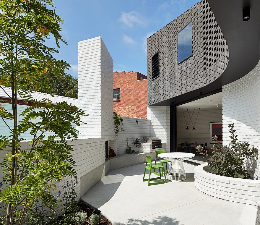 Perimeter House by MAKE Architecture 2
