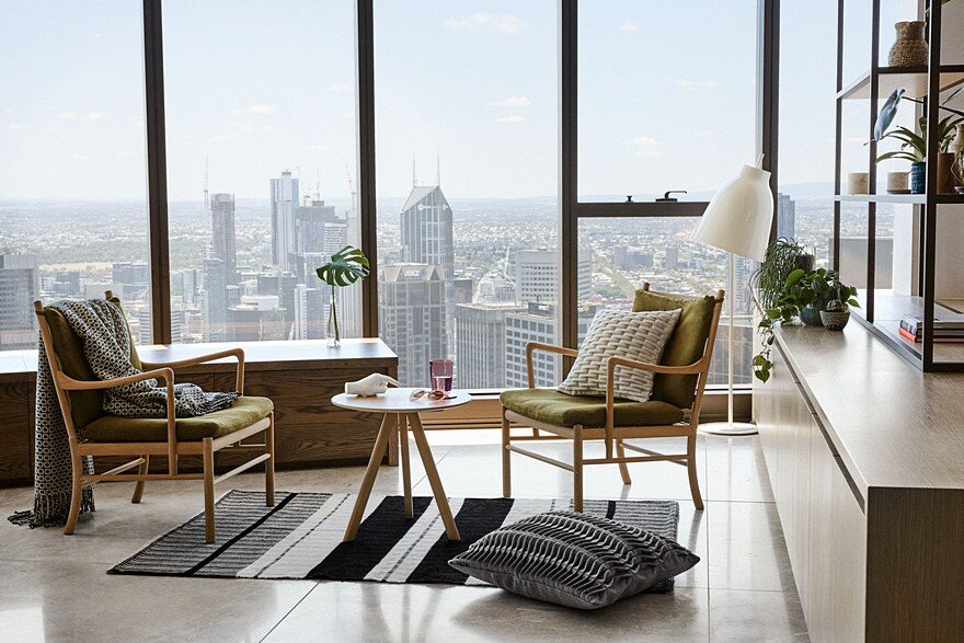 Sky-High Southbank Apartment 2