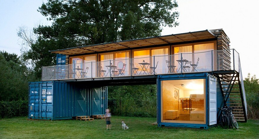 Small Mobile Hotel Made From Shipping Containers / ARTIKUL Architects