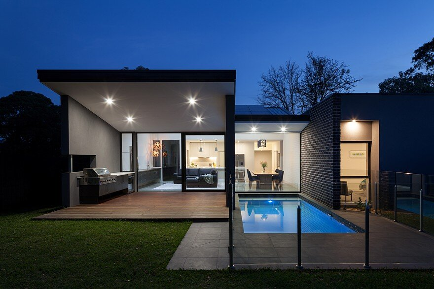 Wheelers Hill House / Eco Edge Architecture