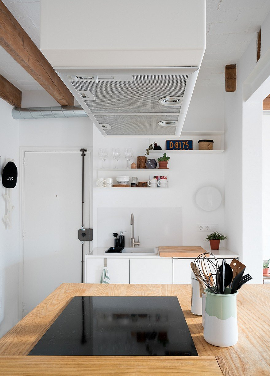 75 sqm Apartment Rehabilitation in a Old Building in Barcelona 5