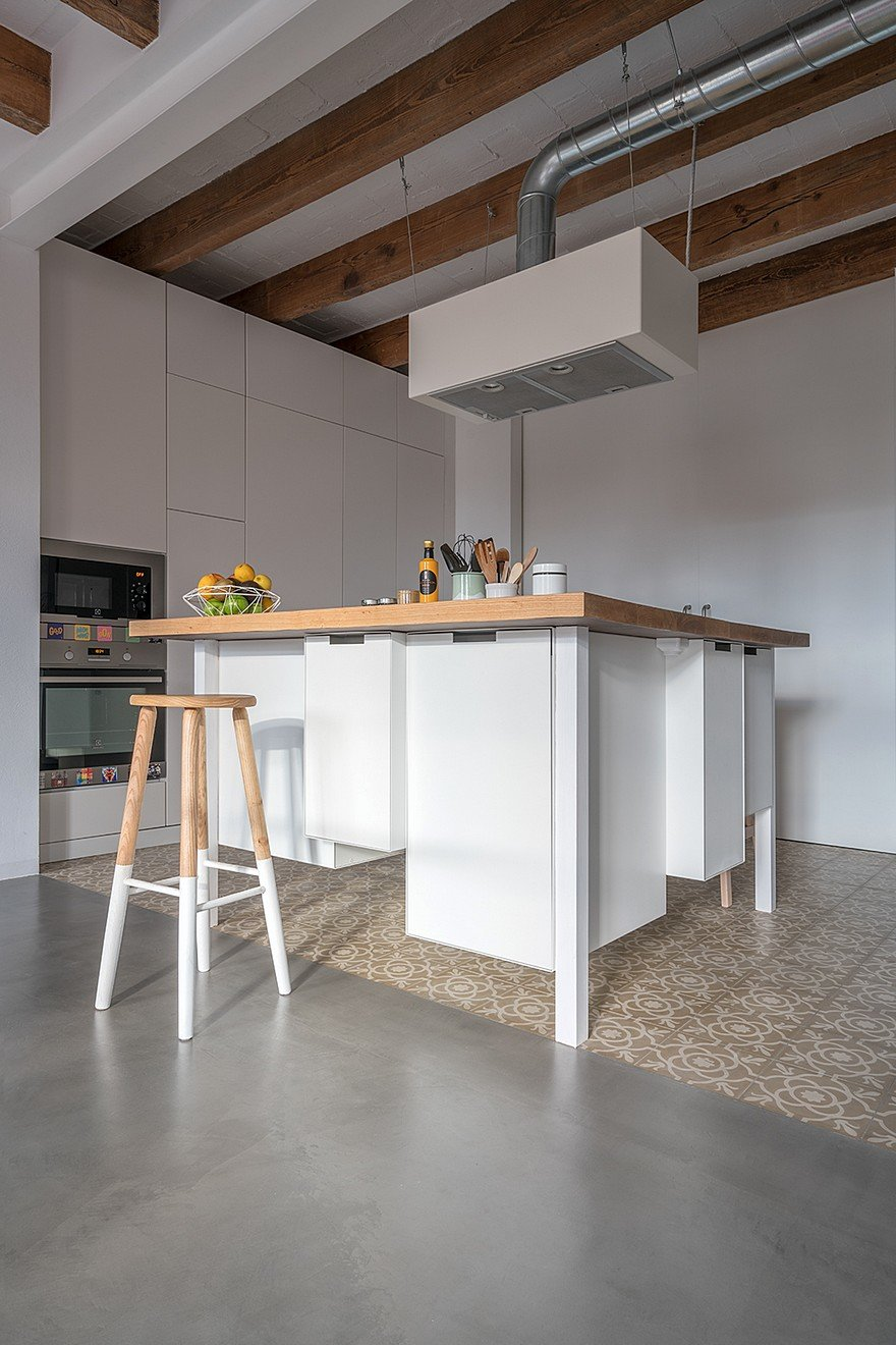 75 sqm Apartment Rehabilitation in a Old Building in Barcelona 4