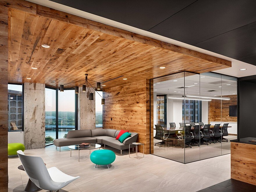 Austin Visitors Center Office by Runa Workshop