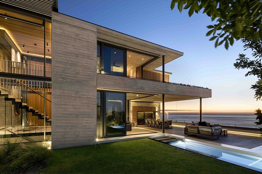 Clifton House in Cape Town with a Panoramic View of the Ocean 17