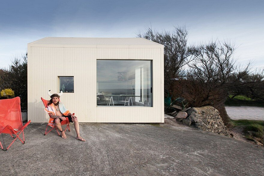 FREAKS Has Refurbish a Concrete Fishing Shack Built in the 50's on a Rock