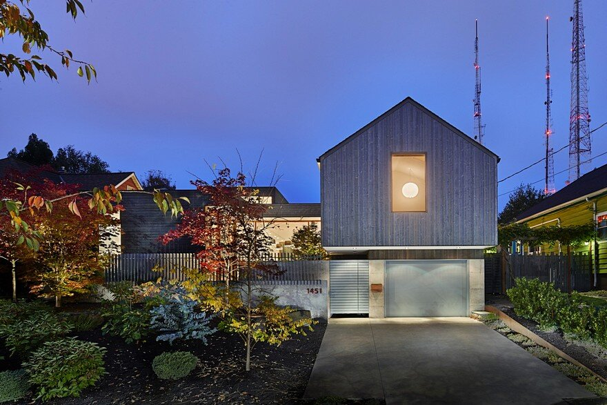 Seattle Artist House Features a Simple, Elegant and Low-Ego Design 15
