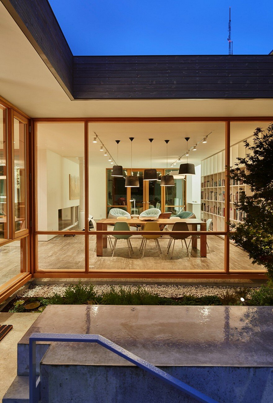 Seattle Artist House Features a Simple, Elegant and Low-Ego Design 14