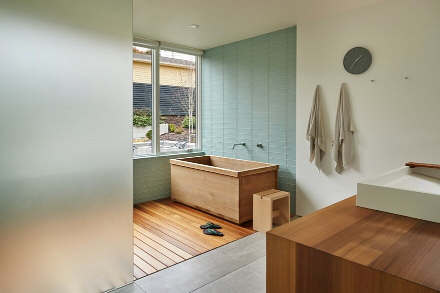 Seattle Artist House Features a Simple, Elegant and Low-Ego Design 12