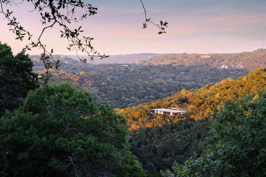 This Classic Single Story House Provides Some of the Most Stunning Views of Texas 10