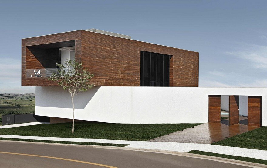 This Cubist House Connects the Expressiveness of Geometric Forms with the Beauty of the Eclectic Interiors