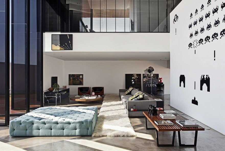 This Cubist House Connects the Expressiveness of Geometric Forms with the Beauty of the Eclectic Interiors 5