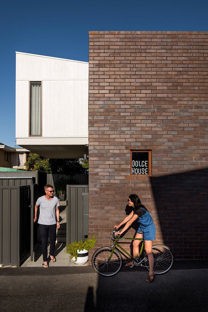 Dolce House is a Contemporary Urban Home with Warehouse Style 19