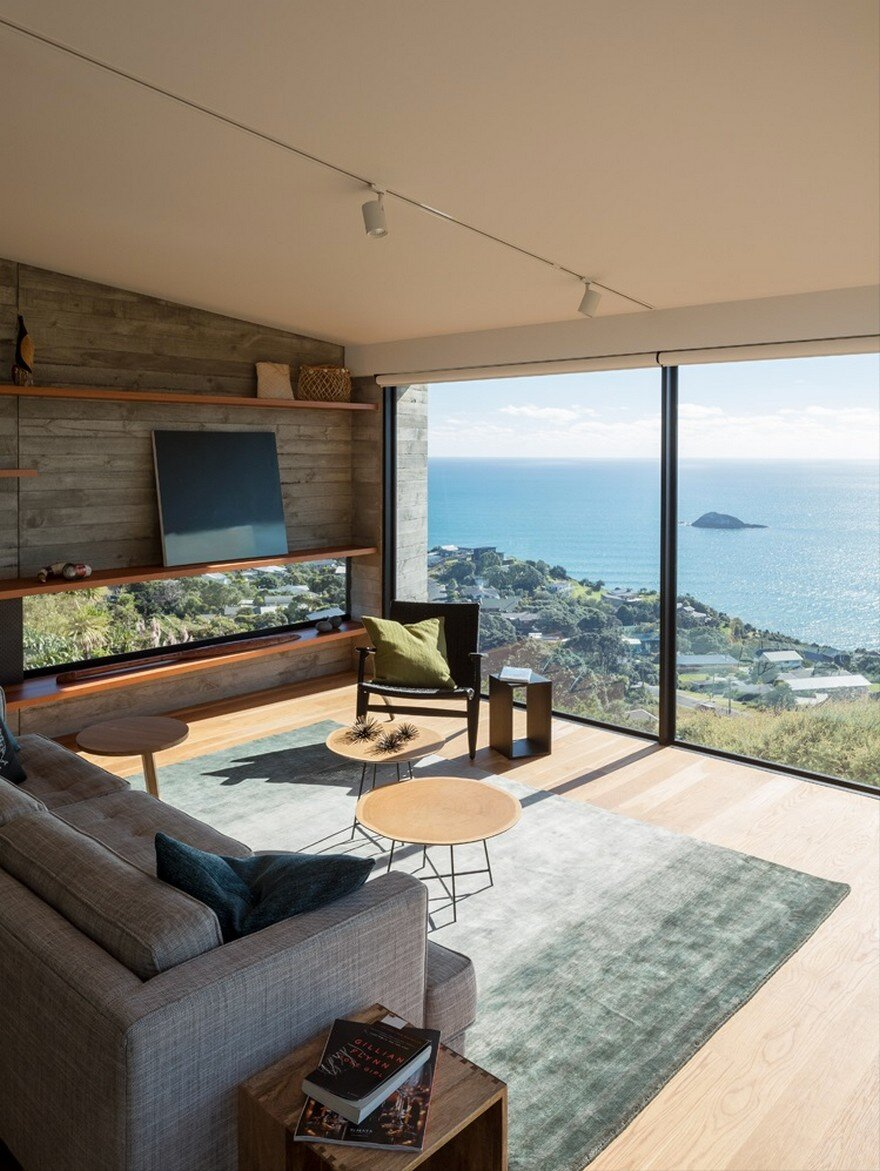 Muriwai Weekend House is Placed at the Edge of a Cliff to Capture the Dramatic Views 3
