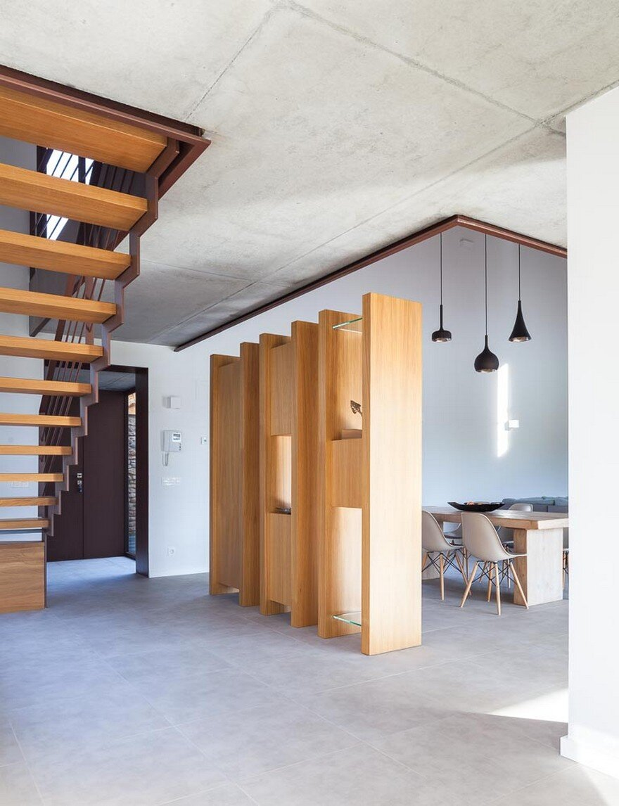 New Catalan House Inspired by the Old Farm Buildings 11