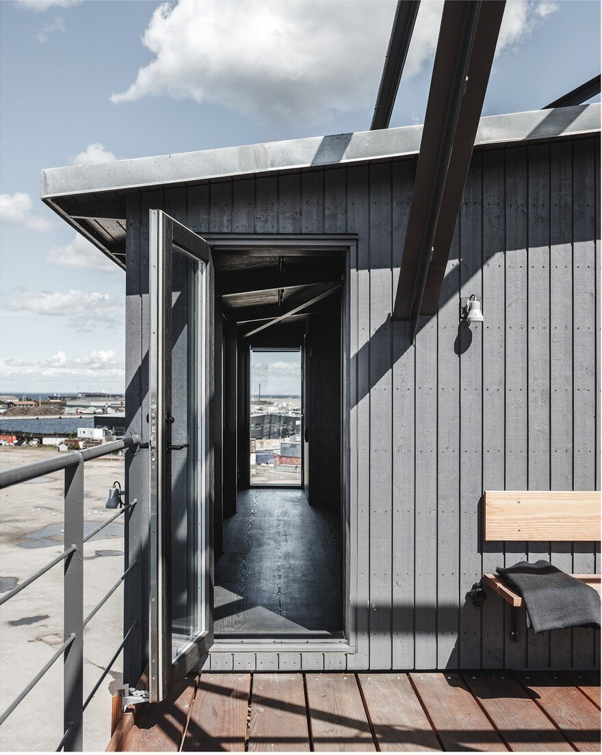 A Atypical Living Retreat Amidst an Industrial Landscape 5