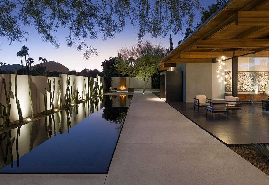 Aperture House is a Ultra-Chic Modern Home with an Entire Back Wall of Glass 12