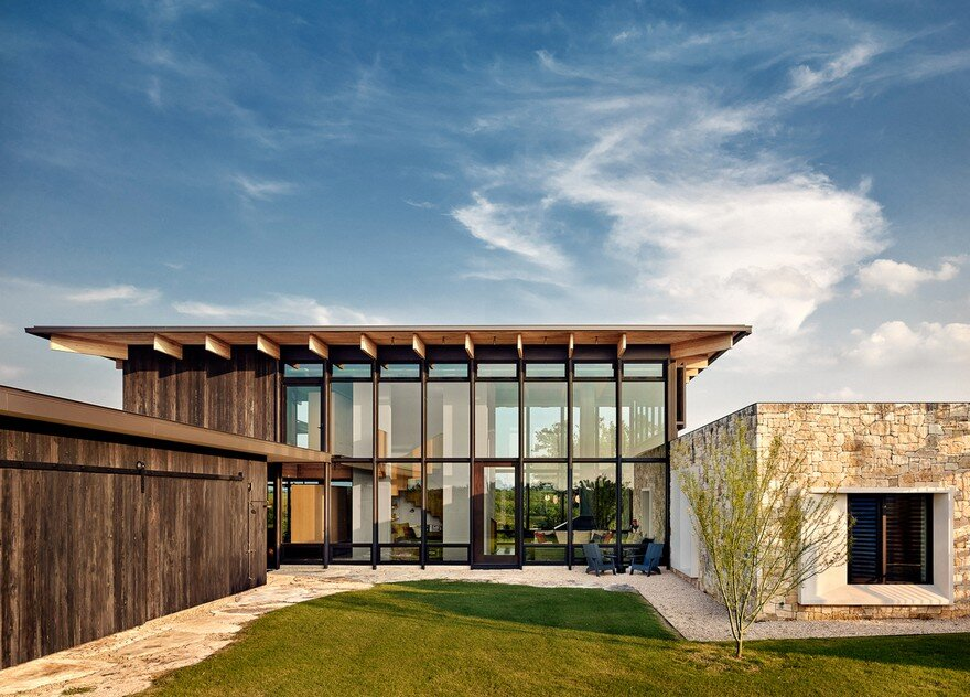 Contemporary Texas Retreat with Double-Height Glass Walls that Encase the Living Areas