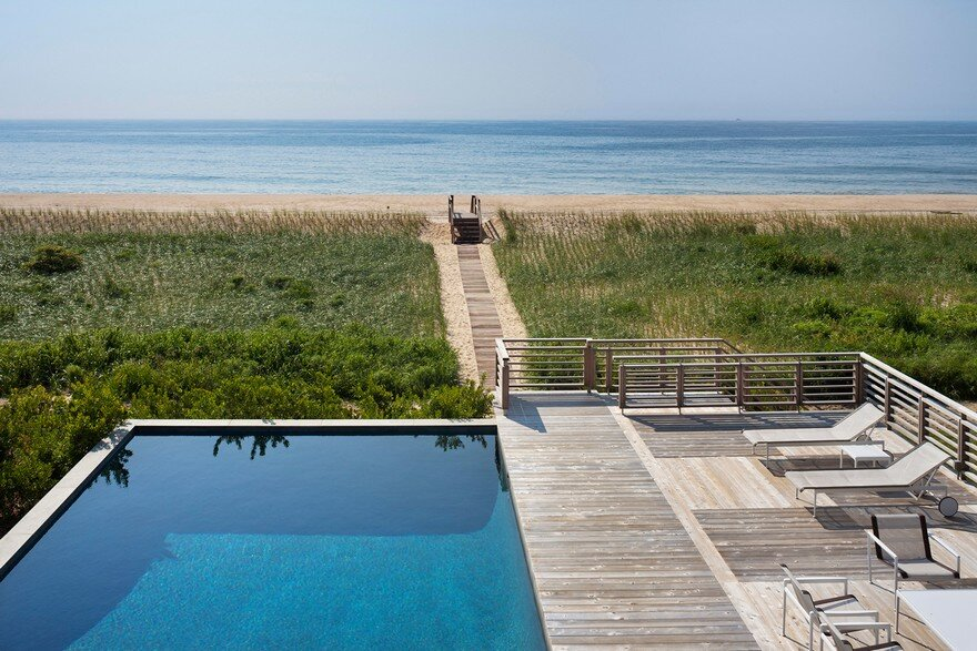 Ocean Pond Residence in Long Island, New York