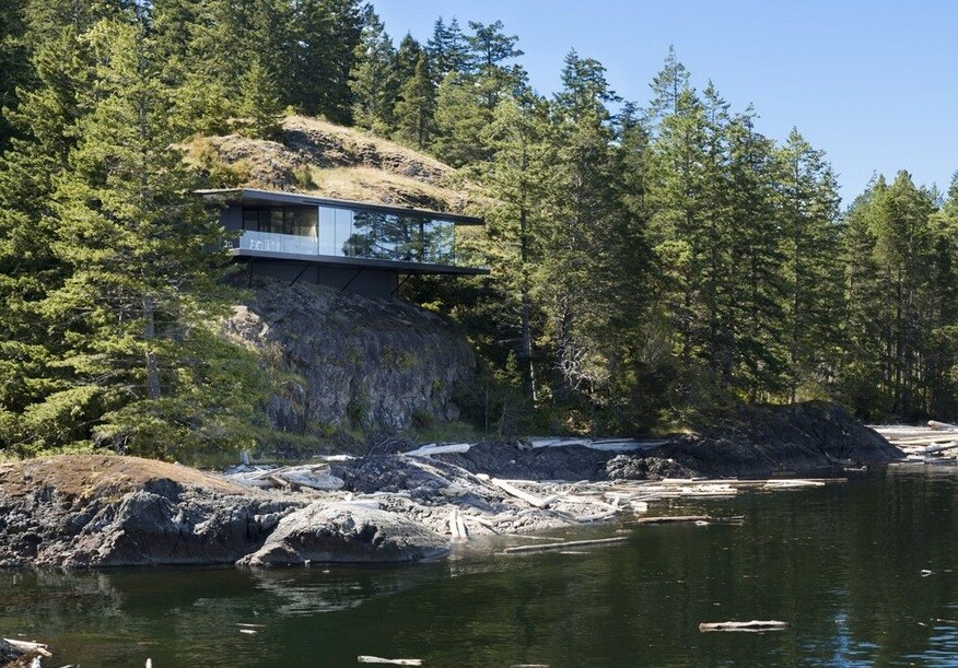 Tula House is Perched 44 Feet Above the Pacific Ocean on a Remote Island