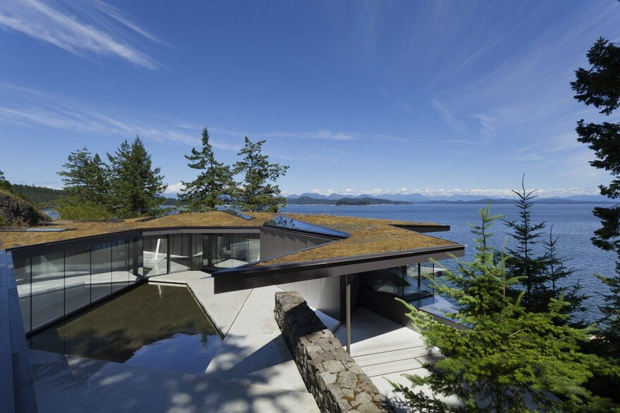 Tula House is Perched 44 Feet Above the Pacific Ocean on a Remote Island 2