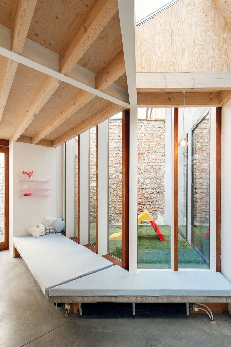 i.s.m.architecten Have Transformed a Row House into a Light-Filled Family Home 7
